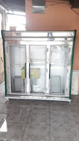 3 portas Expositor Vertical Refrimate, 1260 Litros, 3 Portas