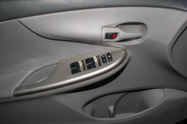 Corolla 1.8 2010 completo - Único Dono - Somente Financiada - Foto 9
