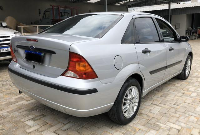 Focus sedan 1.6 completo 2004 - Foto 4