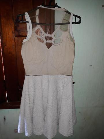Vendo vestido tamanho: M
