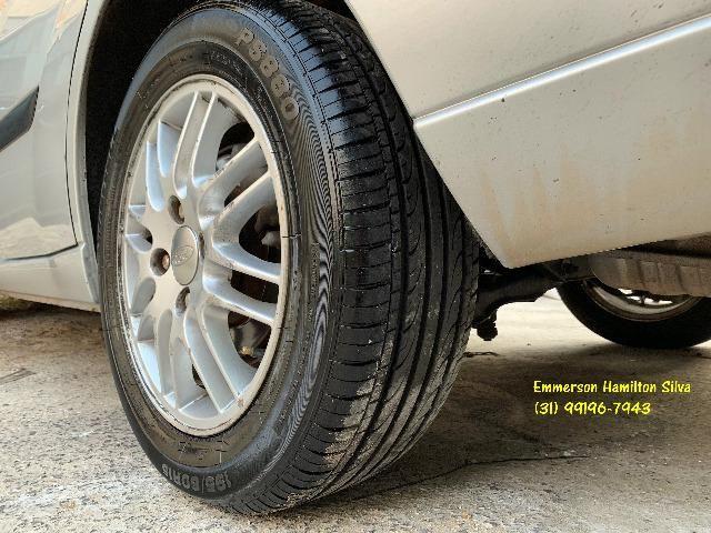 Focus Sedan Ghia 2.0 16V Flex - Foto 15