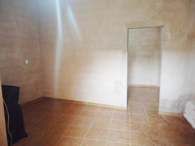 Ótimo preço casa só faltando pintura próxima da principal 300 metros do trem bom - Foto 2