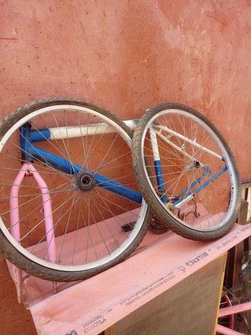 Quadro e rodas