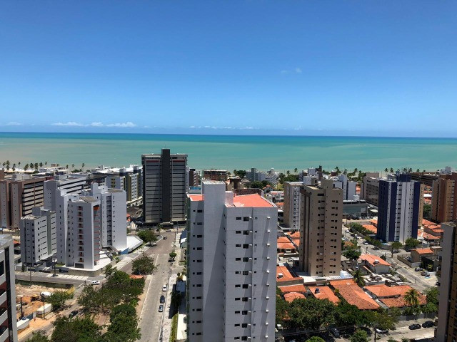 Manaíra - Vendo Excelente Apto com 216m2, 04 Suítes e vista permanente
