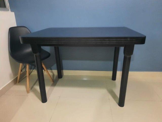 Mesa em madeira.