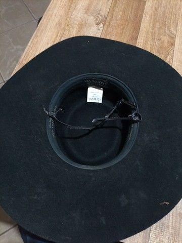 Bota 44 tamanho chapéu tamanho 55 faca - Foto 3