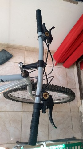 Bike de marcha aro 26 baixei o valor - Foto 6