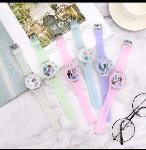 Relógio Analógico Princesas: Frozen, Sofia