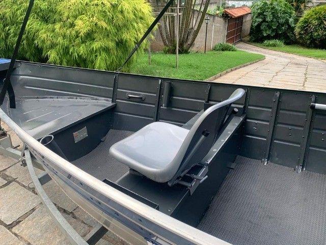Barco alumínio de bico borda alta 5m semi novo - Foto 3