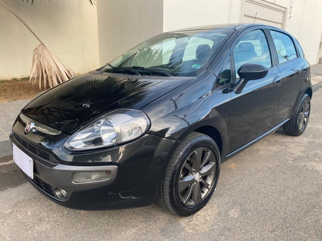 Fiat Punto 2013, motor 1.6, direção hidráulica, ar condicionado e mais!