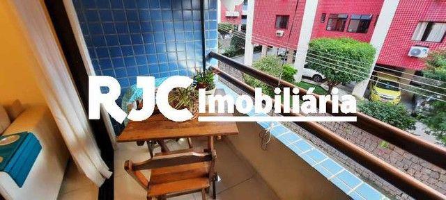 Apartamento à venda com 3 dormitórios em Pechincha, Rio de janeiro cod:MBAP33567