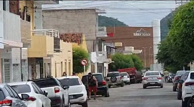 AR Alugo Ponto Comercial no Centro de Serra Talhada próximo ao Shopping  - Foto 4