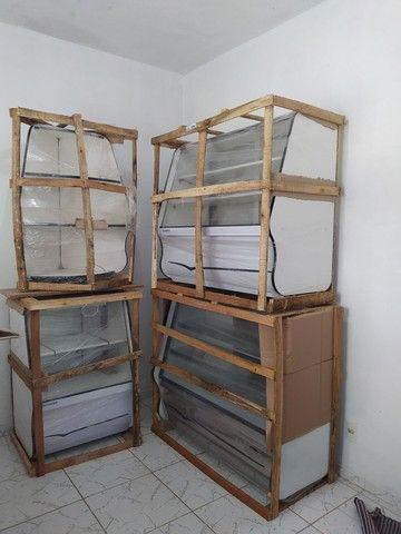 Kit Balcão Refrigerado, balcão Seco + Gôndolas de Parede + Mesa e cadeiras - Foto 4