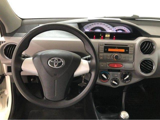 Toyota Etios Hatch XLS 2013 1.5 Branco  - Foto 7