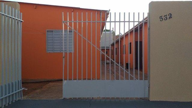 8 quitinetes no bairro Jardim Aero Rancho - Foto 2