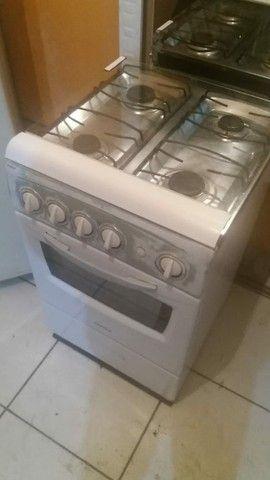 Vendo fogão 4 boca - Foto 3