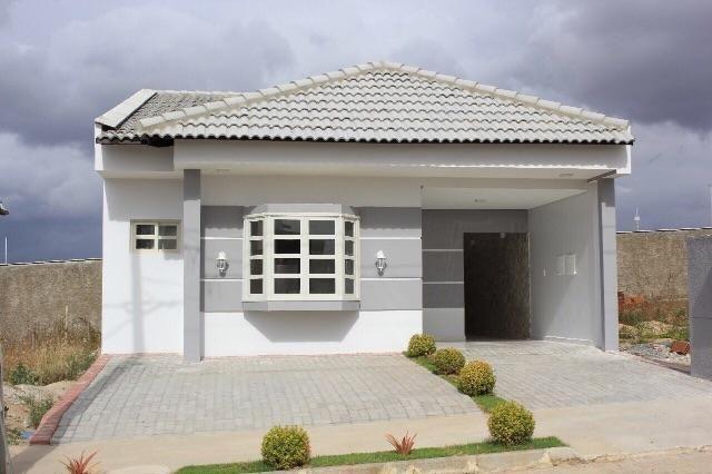 Casa pronta para morar com 3 quartos( 2 suítes)