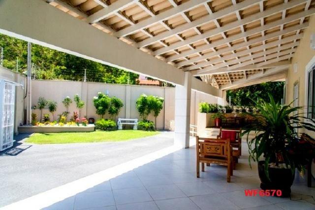 Mansão com 5 suítes, casa duplex, projetada e mobiliada, 7 vagas, rua privativa, Sapiranga - Foto 14
