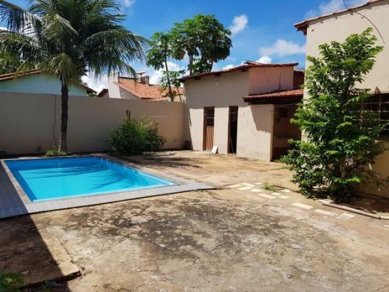 Excelente casa com 5 quartos e piscina na 1.203 sul
