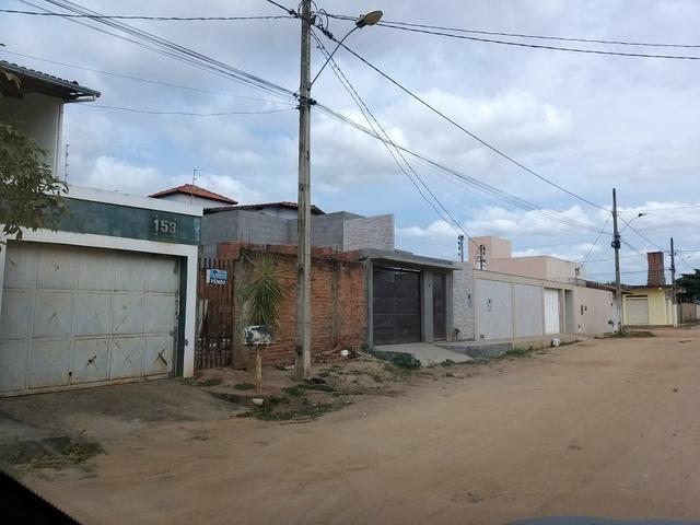 Meio lote 6 por 30 metros em Almenara MG bairro Cidade verde