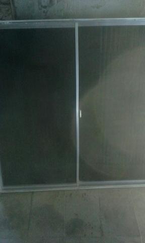 Janela de aluminio com vidro fumê