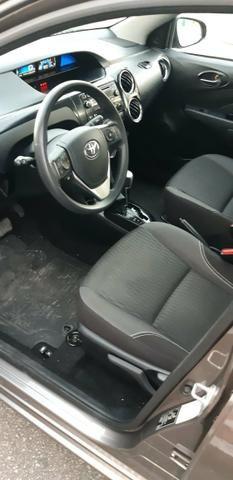 Toyota Etios X Plus 1.5 sedan - Foto 12