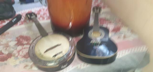 Banjo cavaco eletricos e tambor - Foto 2