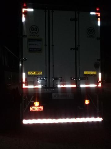 Caminhão Baú Câmara fria - Foto 14