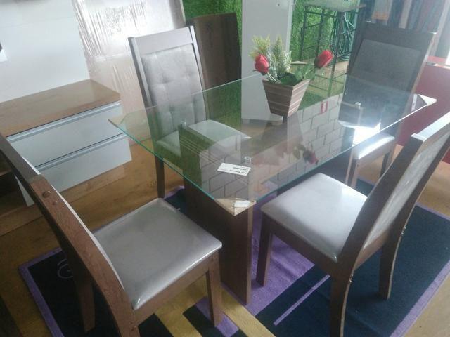 Mesa De Jantar 4 Cadeiras Nova