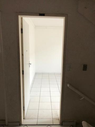 Vendo Apartamento no Cond. Vivendas Parnamirim com garagem coberta no 2º andar - Foto 7
