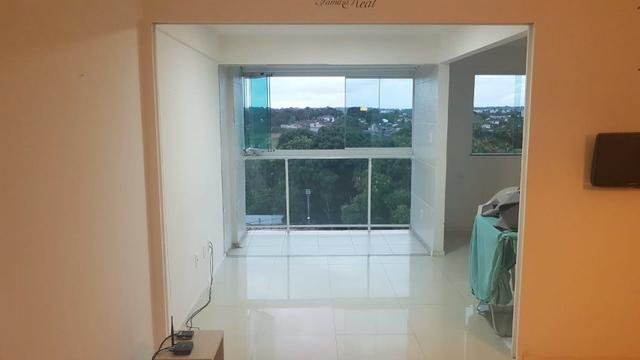 Alugo apartamento de 2 quartos na estrada do coco em frente ao Shopping Busca Vida - Foto 2