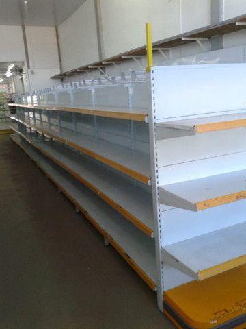 Gondolas,Prateleiras desmontaveis, check outs, ganchos,armários,mesas,etc - Foto 4
