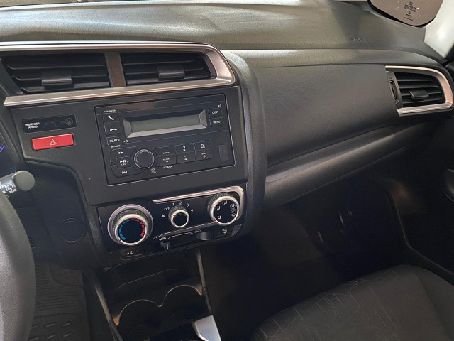 Honda Fit Lx , 2016, manual, revisado em concessionaria, impecável. - Foto 12