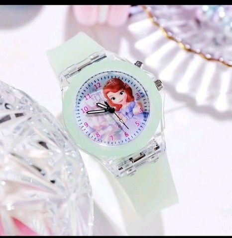 Relógio Analógico Princesas: Frozen, Sofia - Foto 5