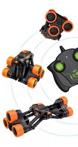 Carrinho Brinquedo Transformar Dublê 360º Gira Alta Velocidade com Controle - Foto 4