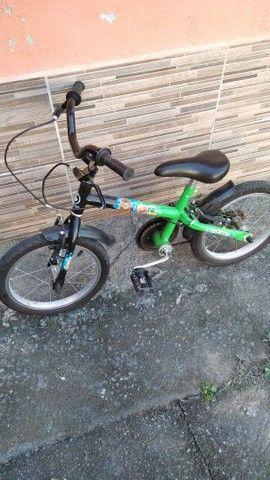 Bicicleta infantil semi Nova - Foto 2