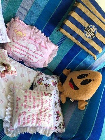 Almofadas  e travesseiros infantil com fronha    - Foto 2