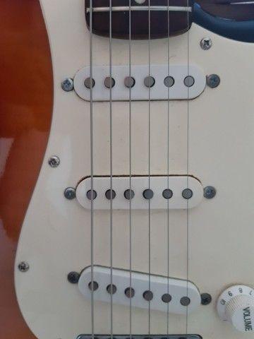 Guitarra Squier Strato  - Foto 2