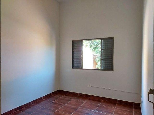 Apartamento com 3 dormitórios para alugar, 70 m² por R$ 900,00 - Estados Unidos - Uberaba/ - Foto 5