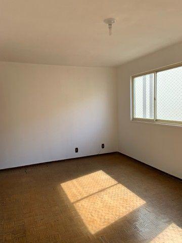 Apartamento de dois quartos, Super Bem Localizado, a dez minutos do centro de Goiânia - Foto 3