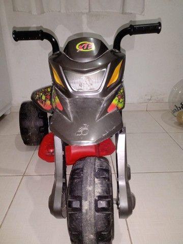 Mini Moto Elétrica - XT3 Grafite 6V - Bandeirante - Foto 2