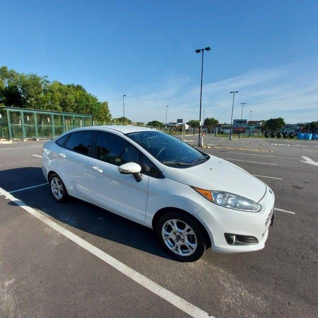 New Fiesta 1.6 SE Aut - Completo - Bco Couro 2014/2014
