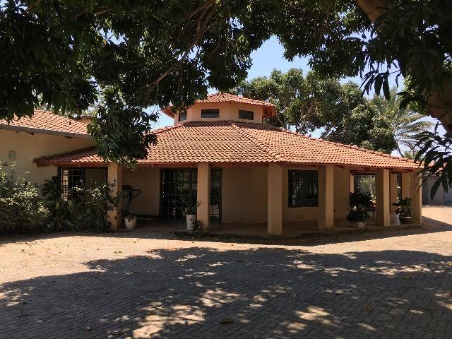 Lote Multifamiliar 603 Sul 3.724 m2 com 1 Casa de 4 Suítes
