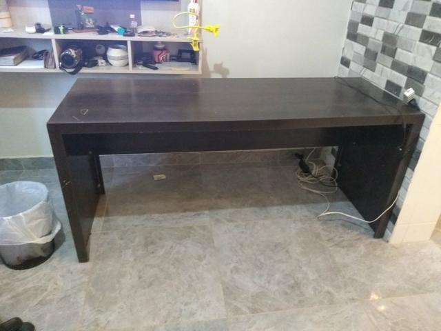 Mesa, gaveteiro, estante e mesinha - Foto 2