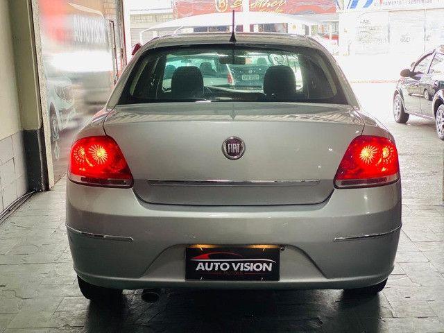 Fiat Linea Essence 1.8 2012 - Foto 4