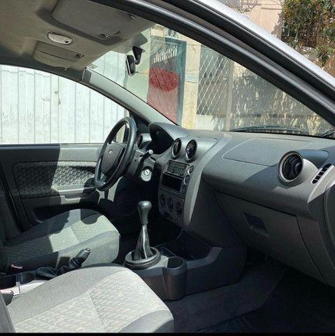 Ford Fiesta Hatch 1.0 completo - Foto 8