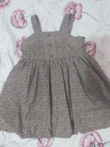 Vendo combo de vestidos infantil - Foto 2