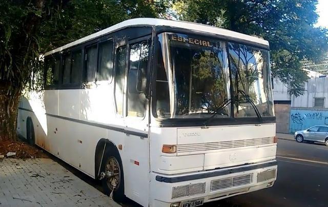 Ônibus Vendo ou Troco Por Carro R$ 25.000,00 - Foto 5