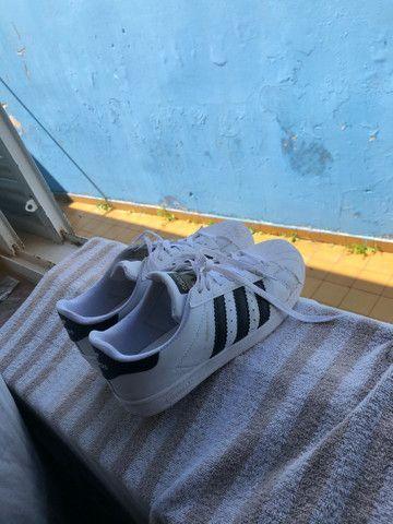 Tênis adidas superstars número 39 - Foto 3