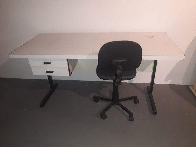 Mesa escritório completa
